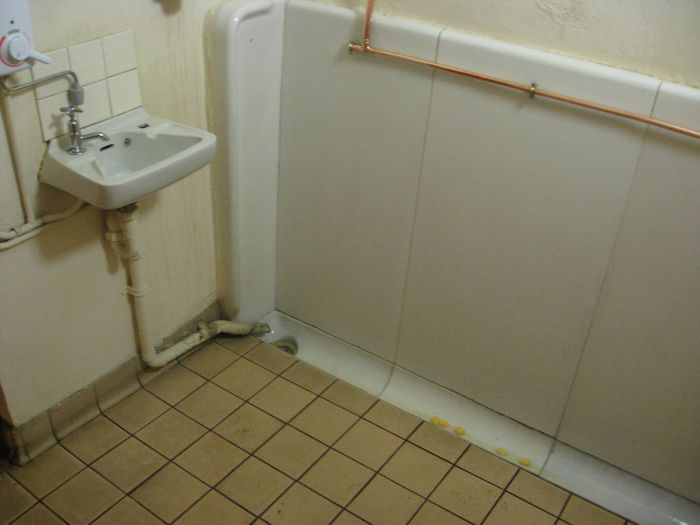 IMG_0049 Chichester pub urinal