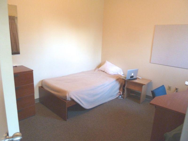 P1020423 Bedroom