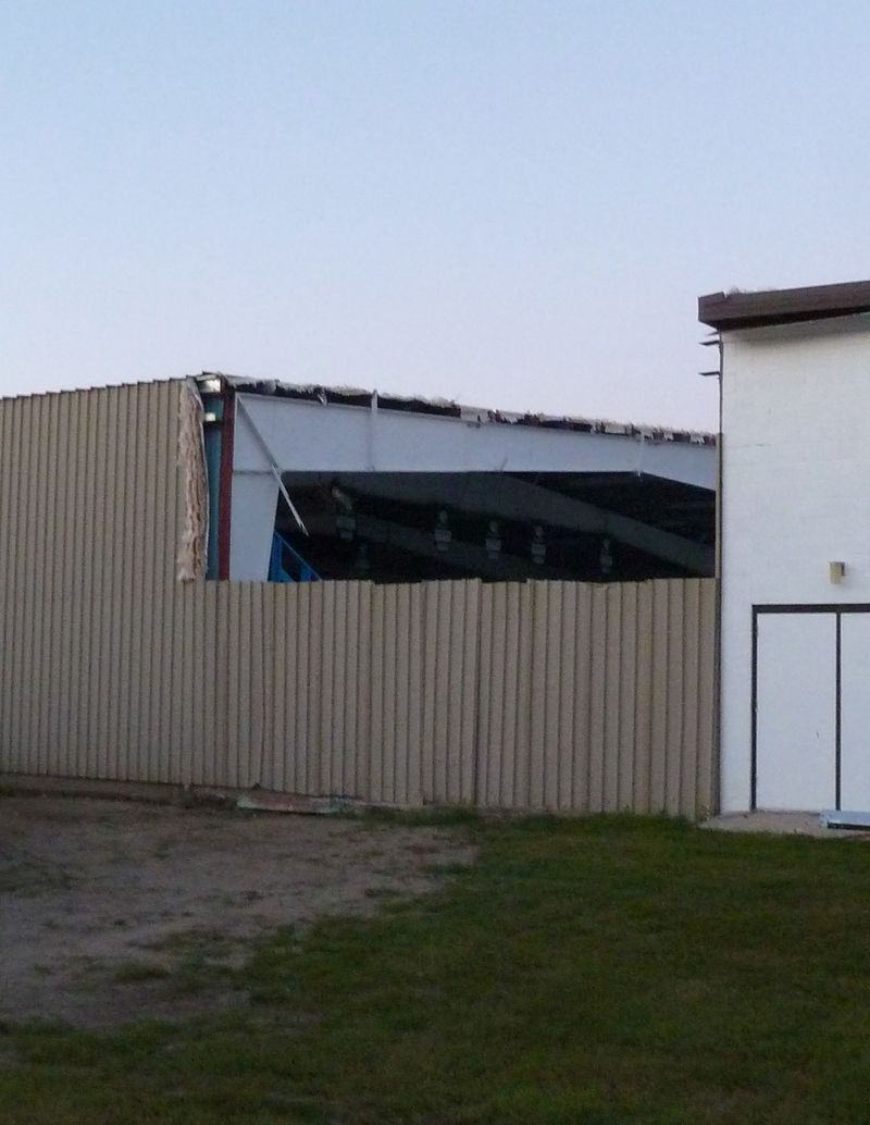 P1020546 Damaged Arena