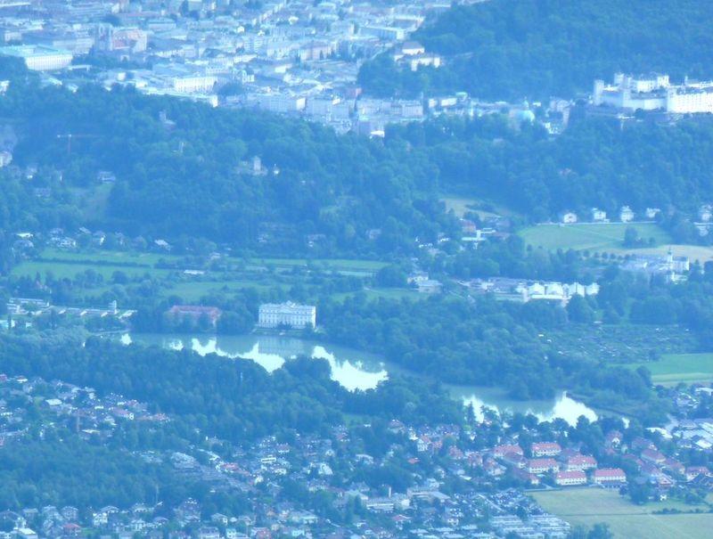 P1000435 SOM mansion, fortress