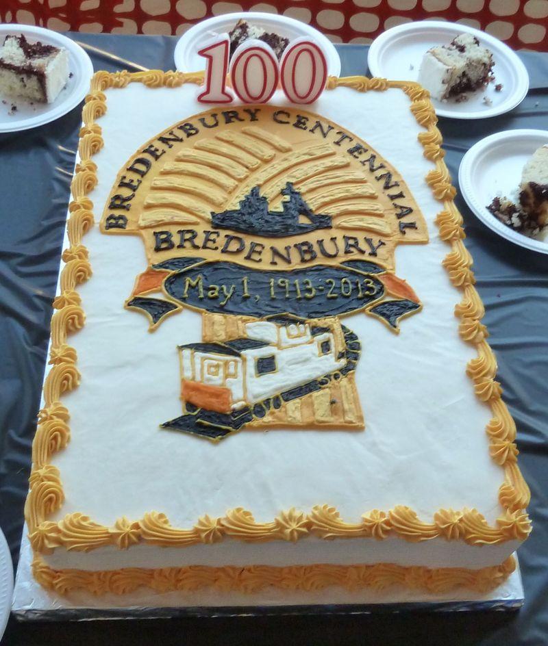 P1020521 centennial cake