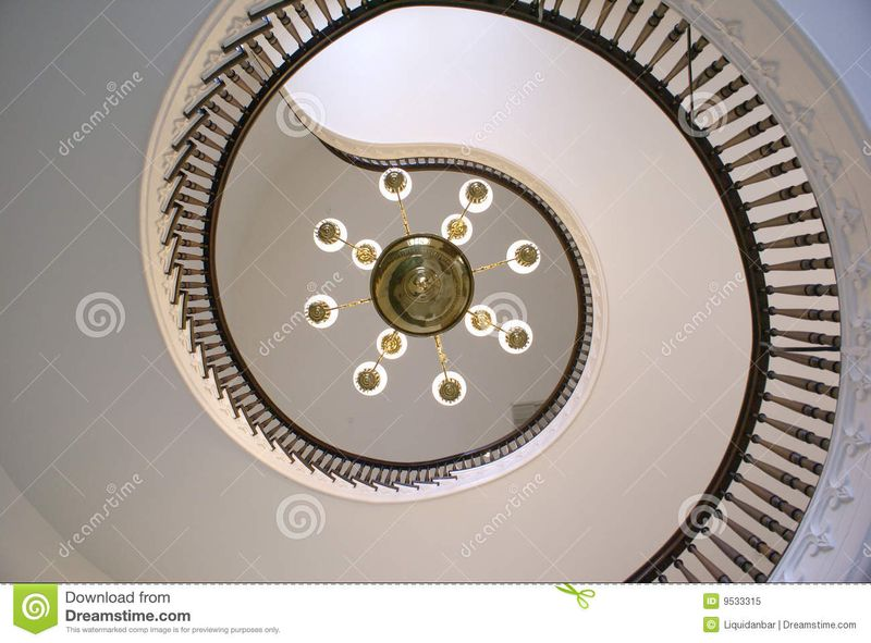 Spiral-stairs-alabama-state-capitol-9533315